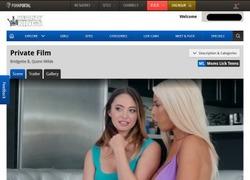Moms Lick Teensの動画作品ページのスクリーンショット